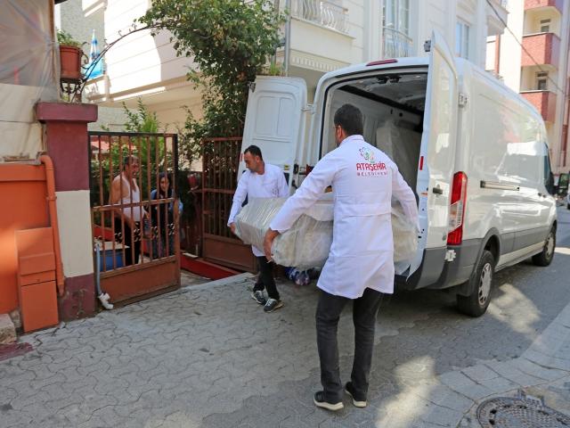 Ataşehir Belediyesi'nden sel mağdurlarına eşya yardımı