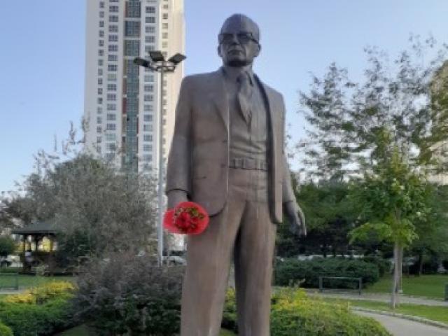 """Alâettin Bahçekapılı: """"Yoldaş Allende! Burada!"""" Ataşehir Belediyesi nerede?"""