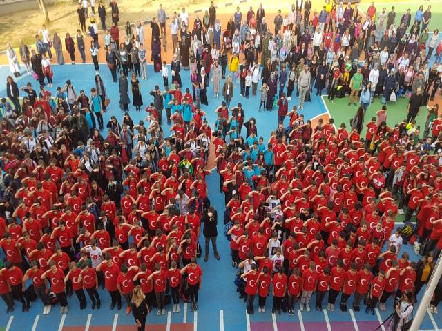 Ataşehir KBO Öğrencileri Barış Pınarı Harekatı'ndaki Abilerine Selam Gönderdiler