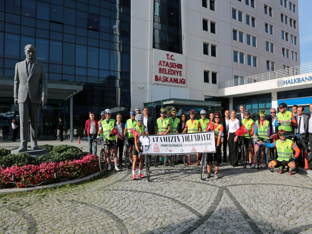 'Atamızın Yolundayız' Bisiklet Turu Ataşehir'den Başladı