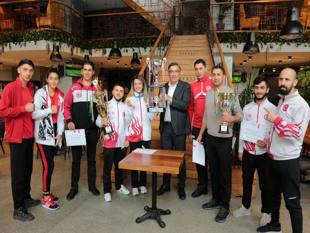 Ataşehir'de Dünya ve Avrupa Şampiyonları ödüllendirildi
