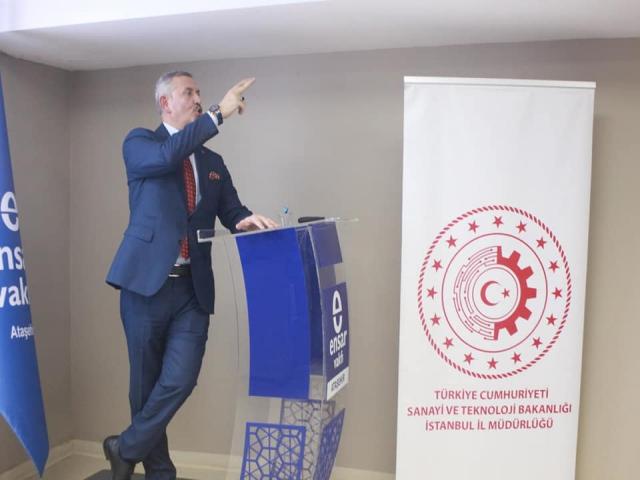 Ataşehir'de Gençlere dijitalleşen sanayinin tehdit ve fırsatları anlatıldı