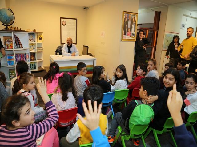 Ataşehir'de Yazarlar Çocuklarla Buluşuyor'un konuğu yazar Behiç Ak oldu