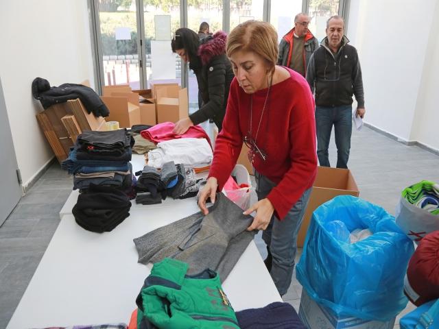 Ataşehirliler Depremzedelere Yardım Elini Uzatıyor