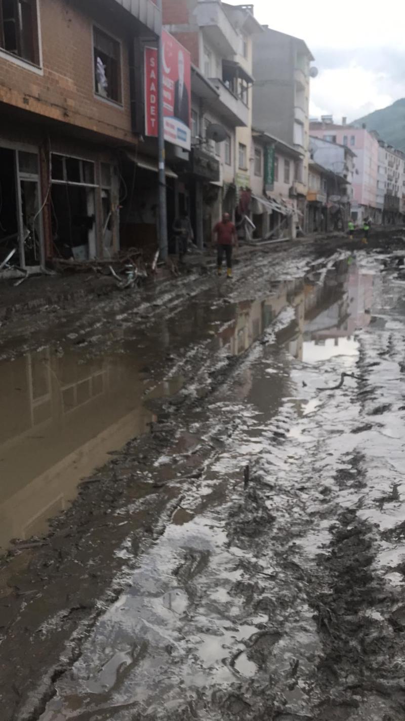 Ataşehir Belediyesi Meclis Başkan Vekili Kudret Arslan, Kastamonu Bozkurt İlçesindeki Sel Sonrası Son Durumu Paylaştı