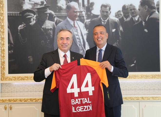 Galatasaray'dan İlgezdi'ye Formalı Tebrik Ziyareti