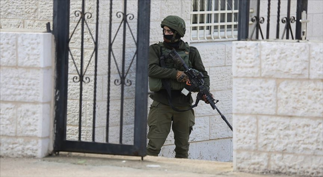İsrail güçleri Kudüs'te biri gazeteci 4 Filistinliyi gözaltına aldı