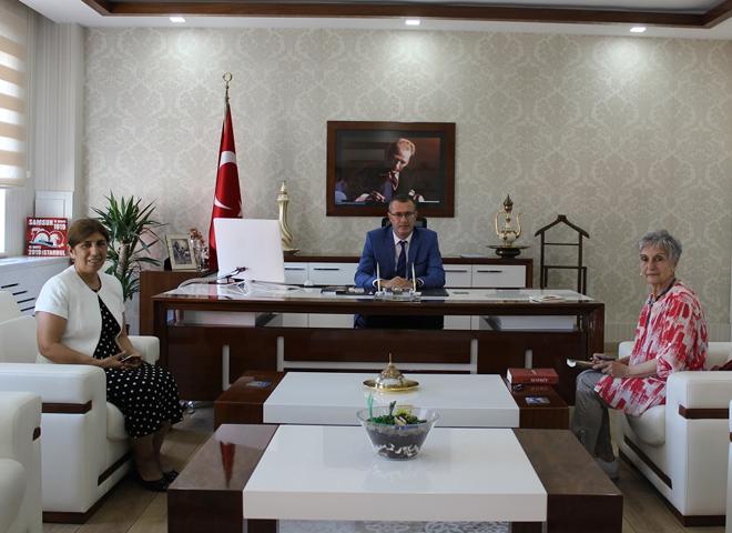 Mehmet Akif Ersoy'un torunundan Kaymakam Ertaş'a Anlamlı Ziyaret