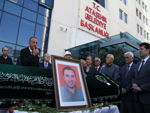 Ataşehir Belediyesi personellerinden güleryüzlü mesai arkadaşlarına son veda