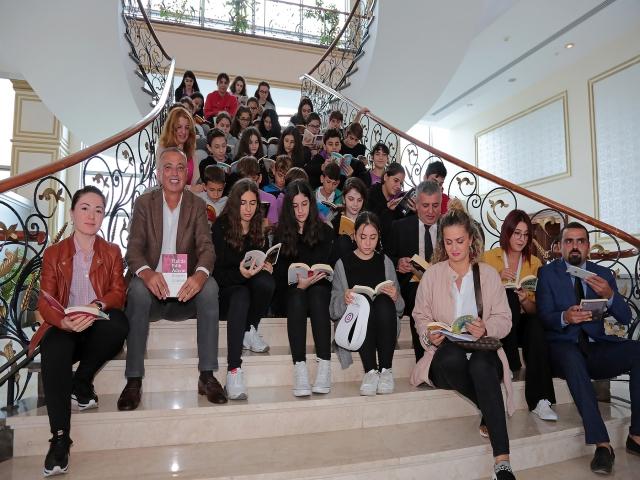 Başkan İlgezdi, öğrencilerin kitap okuma projesine katıldı