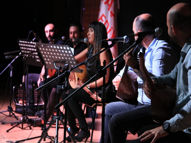 Üç Tel Bir Avaz'la Yola Revan'dan muhteşem performans