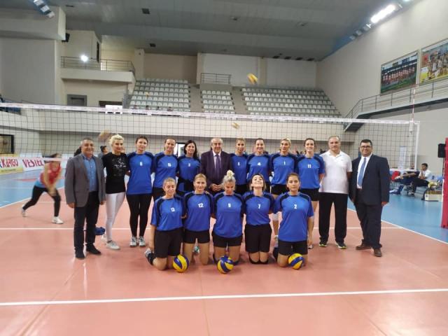 Ataşehir Kadın Öğretmenler Voleybol Takımı İstanbul Birincisi Oldu