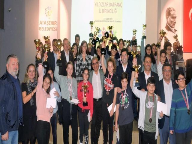 Ataşehir'de gerçekleşen İstanbul Yıldızlar Satranç İl Birinciliği Turnuvası'nda şampiyonlar belli oldu