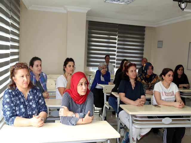 Ataşehir'de sağlıklı beslenme seminerleri düzenleniyor