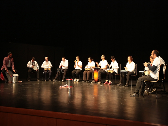 Ataşehir'de engellerini sahne performansları ile aştılar