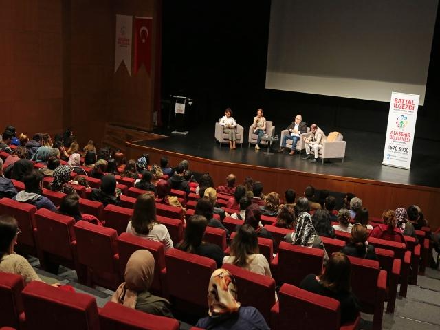 Ataşehir'de kadına yönelik şiddet konuşuldu