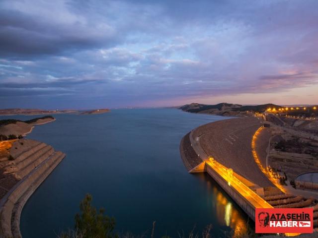 Atatürk Barajı'ndan 2019'da 3,3 Milyar Liralık Enerji Üretildi