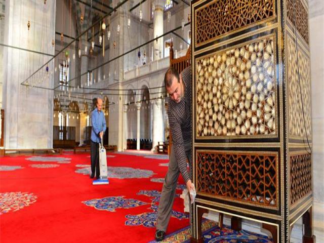 İbb, Camilerin Bakım Ve Temizliğini Titizlikle Sürdürüyor