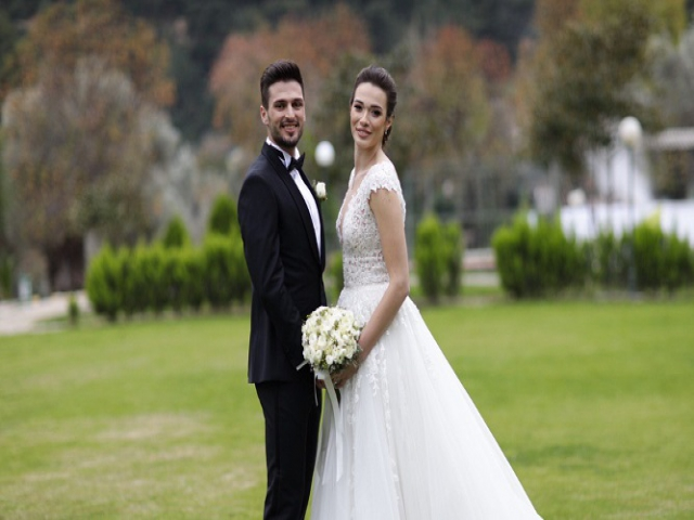 Milli Futbolcu Okay Yokuşlu ve Melisa Kerman'ın Aşkları Evlilikle Taçlandı