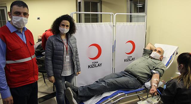 Türk Kızılayı Ataşehir Şubesi Ramazan'da Kan Bağışına Vatandaşlardan Yoğun İlgi