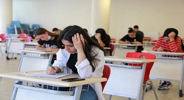 Ataşehir Belediyesi kursları ile üniversiteye yerleştiler