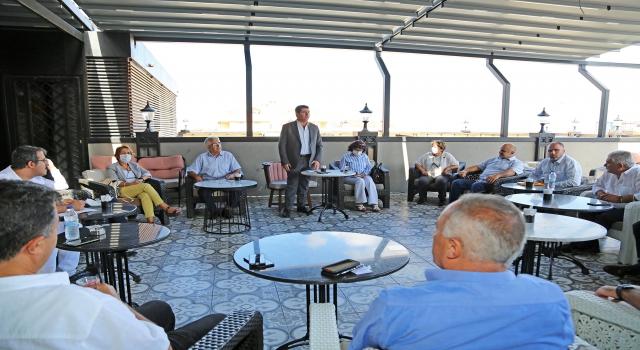 Ataşehir'de pandemi sonrası ilk muhtarlar toplantısı gerçekleşti