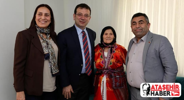 Ekrem İmamoğlu, kendisi için adak kesen Ataşehirli Fadik Nine'yi evinde ziyaret etti