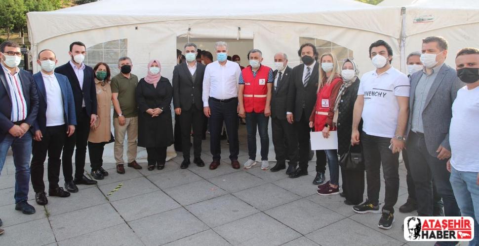 AK Parti İl Başkanı Osman Nuri Kabaktepe Ataşehir'de Kan Bağışı Etkinliğine Katıldı