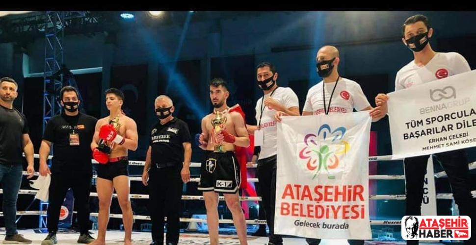 Ataşehir Belediyespor Kickboks Sporcusu Onur Çelik İran'lı Rakibini 2-1 Yendi