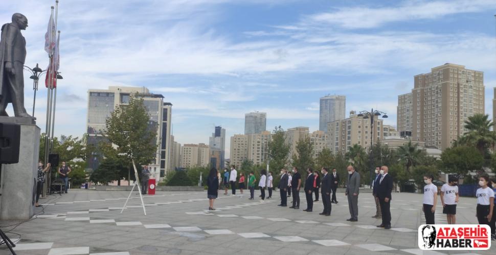 Ataşehir'de İlköğretim Haftası Çelenk Töreni İle Başladı