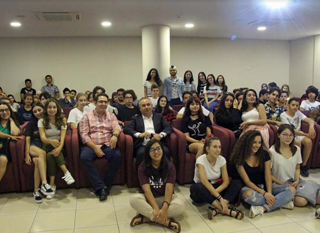 Farklı Kültürler Ataşehir'deki Yaz Okulunda Buluştu