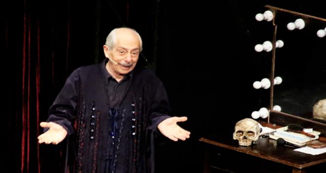27 Mart Dünya Tiyatrolar Günü'nde Ataşehir'de Genco Erkal Sahne Aldı