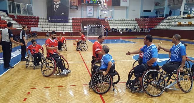 Engelli Basketciler İzmir ' de Kampa Girdi