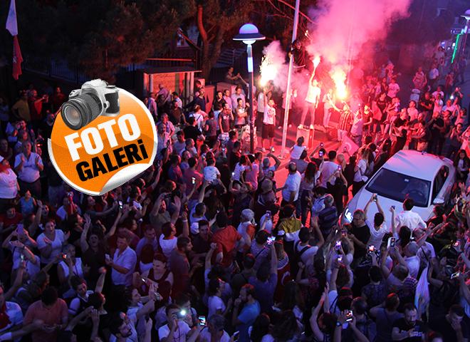 Ataşehir'de Seçim Çoşkusu Objektiflere Yansıdı