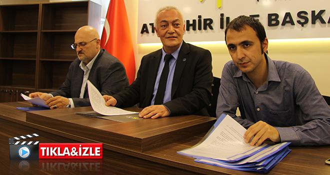 İYİ Parti Ataşehir, Türkiye'deki çocuk istismarlarıyla ilgili basın açıklaması yaptı
