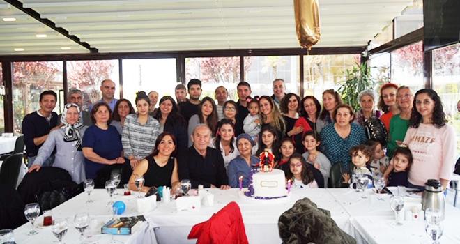 Tülay Bahçekapılı 70.Yaşını 70 Aile Bireyiyle birlikte kutladı