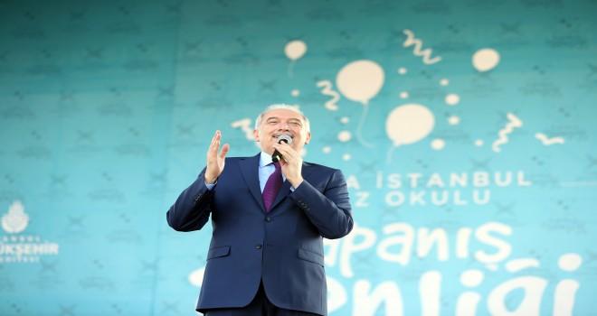 """İBB Başkanı Uysal: """"Şehirlerin geleceği de ülkenin geleceği de gençler ve çocuklar"""""""