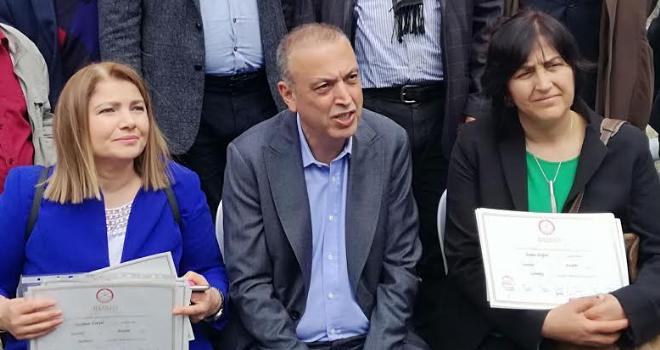 Ataşehir'in 17 Mahalle Muhtarı Mazbatasını Aldı