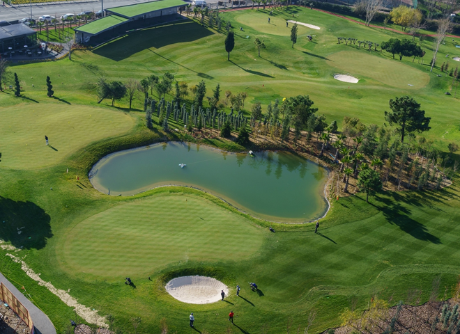 Ataşehir'deki golf sahasındaki yetersiz önlemler vatandaşları tedirgin ediyor!