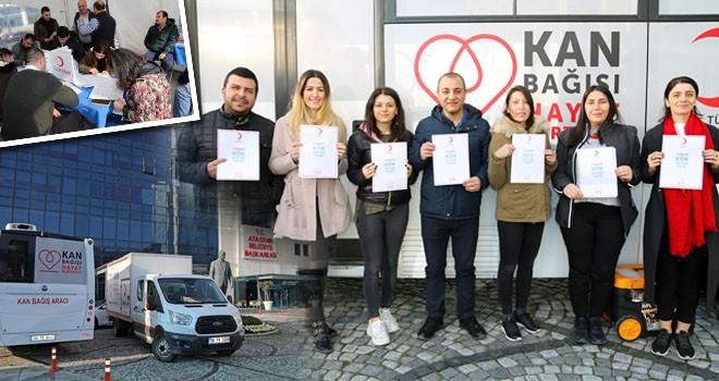 Ataşehir Belediyesi kök hücre ve kan bağışı kampanyası düzenledi