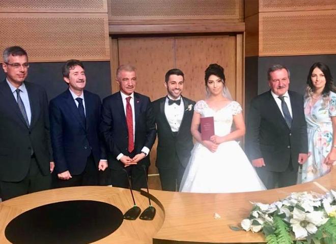 Er Ailesinin Nikah ve Düğün Merasimine Yoğun Katılım