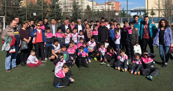 Atletik Ataşehir Yeni Çamlıca Spor Kulübü'ne Anlamlı Ziyaret