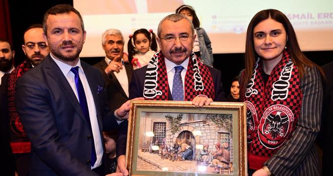 Ataşehir'de Çorumlular, İsmail Erdem'e Farkını Gösterdi