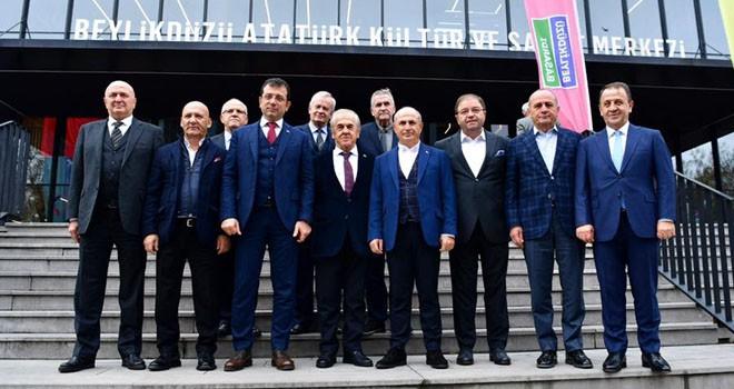 Başkan İmamoğlu, CHP'li İlçe Belediye Başkanlarını Ağırladı