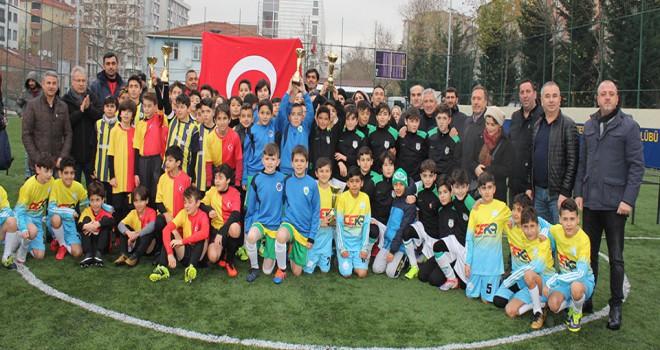 U12 Ligi Şampiyonları Kupalarına Kavuştu