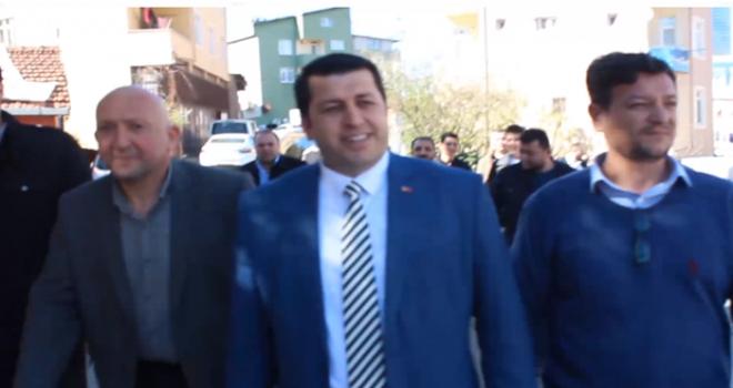 Barbaros Mahallesi Muhtarı Ercan Ersin'den Yeni Dönem için Sevgi Yürüyüşü