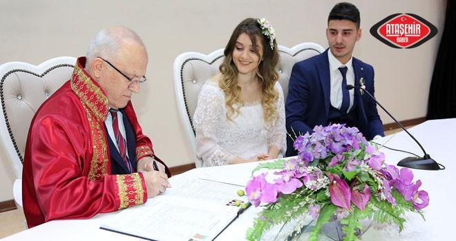 14 Şubat'ta Ataşehirli 20 Çiftin Nikahı Kıyıldı