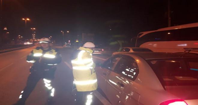 Ataşehir'de gece yarısı trafik denetimleri sabaha kadar sürdü