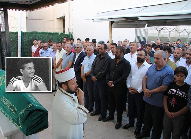 Şile'de boğulan Emir Bozkızıl Ataşehir'de son yolculuğuna uğurlandı