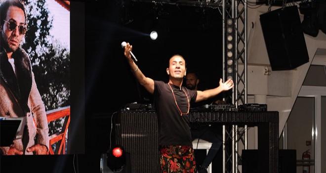 Alex Şahin'in Yaz Konserlerine Yoğun İlgi